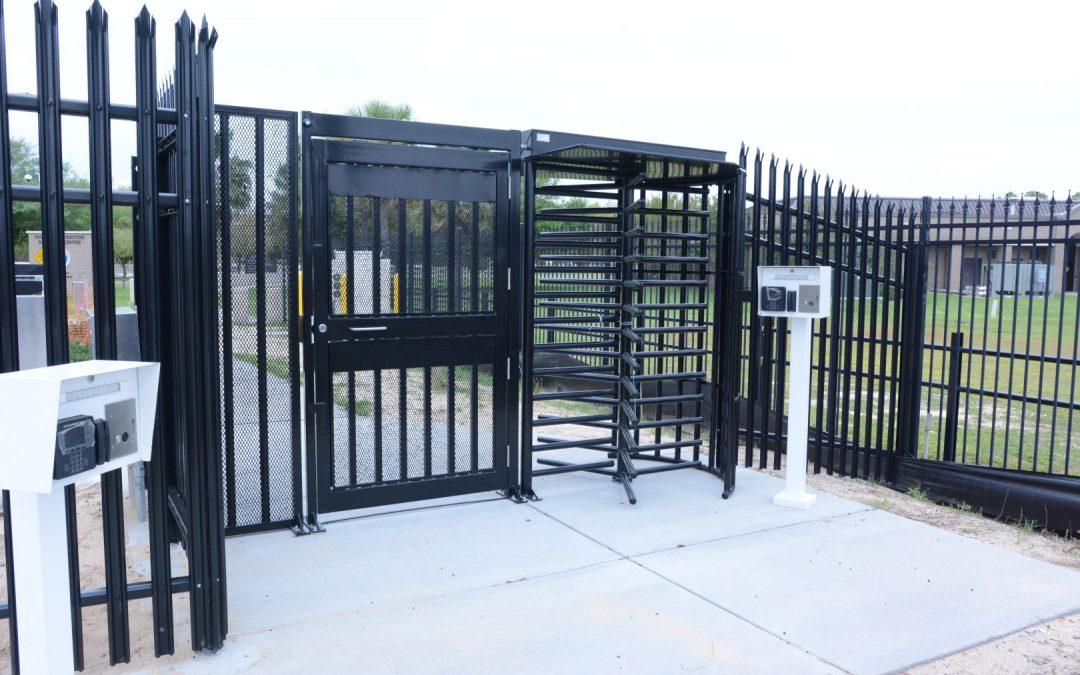 Luaupele Gates